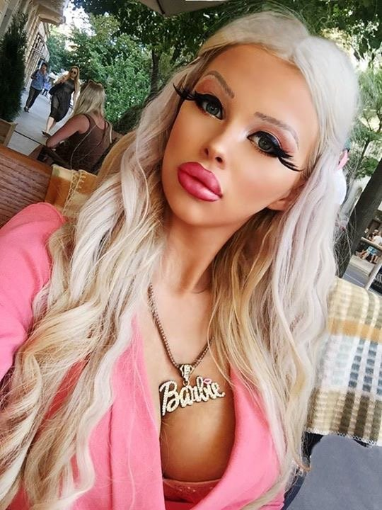 """Teenager spends ?1,000 of her parent?s money every month to look like """"real life Barbie"""""""