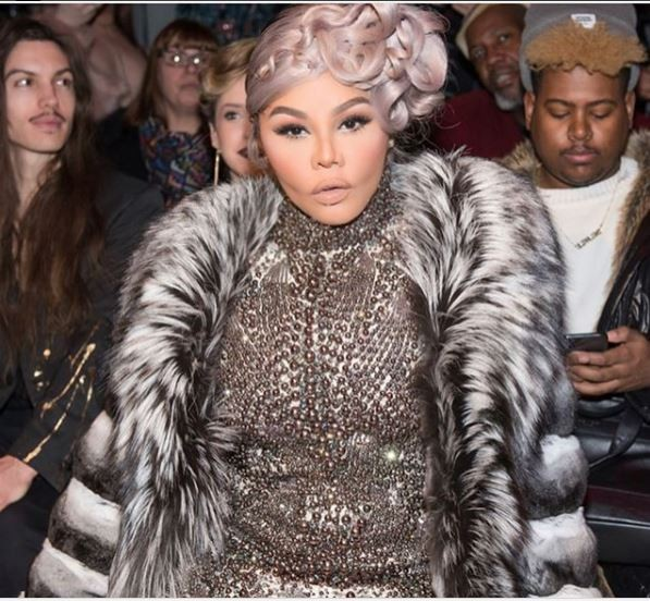 Lil Kim says she now looks like Melania Trump after