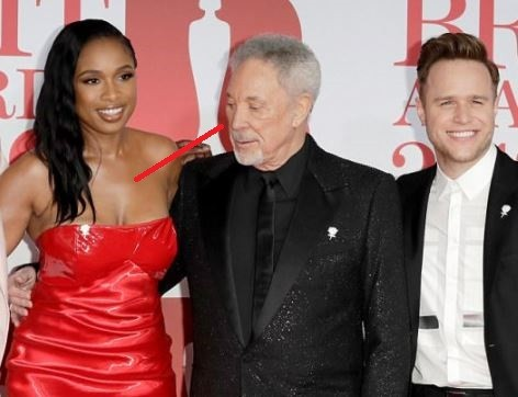 The Voice UK judge Tom Jones caught checking out Jennifer Hudson