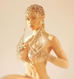 Choi! India Love goes completely naked