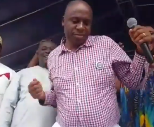 This hilarious video of Rotimi Amaechi singing and dancing at a political rally will make your day...or not!