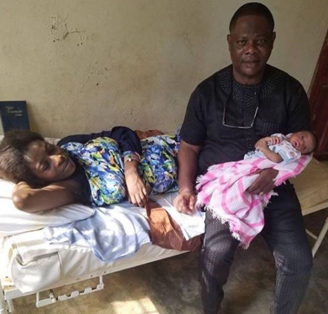 Photo: Veteran Yoruba actor, Yinka Quadri becomes a grandfather