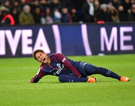 Neymar suffers terrible ankle injury (Photos)