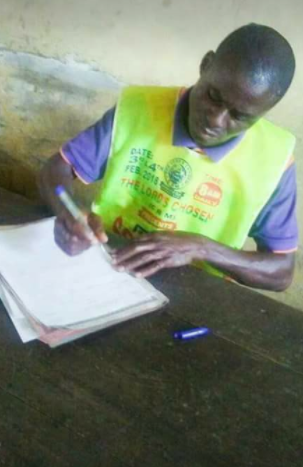 A pastor of Chosen ministries allegedly overpowers armed robbers and takes their guns (photos)