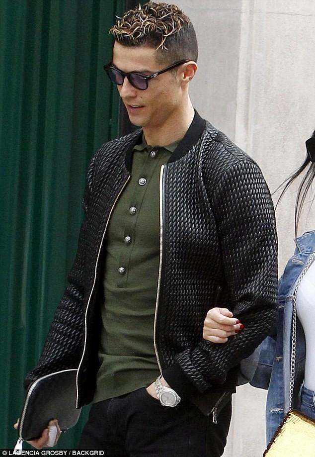 Cristiano Ronaldo takes his girlfriend Georgina on a shopping trip in Madrid (Photos)