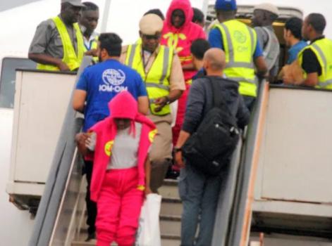 Four pregnant women, 140 other Nigerians return from Libya