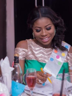 Davidos babymama sophia momodu shares her experience as she davidos baby mama sophia momodu took to her snapchat to advise a soon to be single mom she also shared her experience from when she was pregnant with her ccuart Gallery