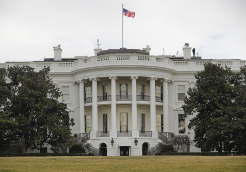 Breaking: Man shoots himself outside the White House