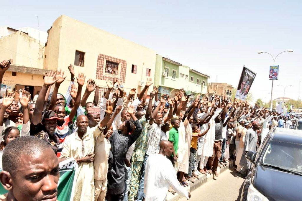 Presidency shares photos of the mammoth crowd that came to welcome President Buhari to Kano yesterday