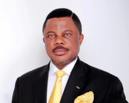 Anambra state Governor, Willie Obiano?fires?all 18 commissioners in his cabinet