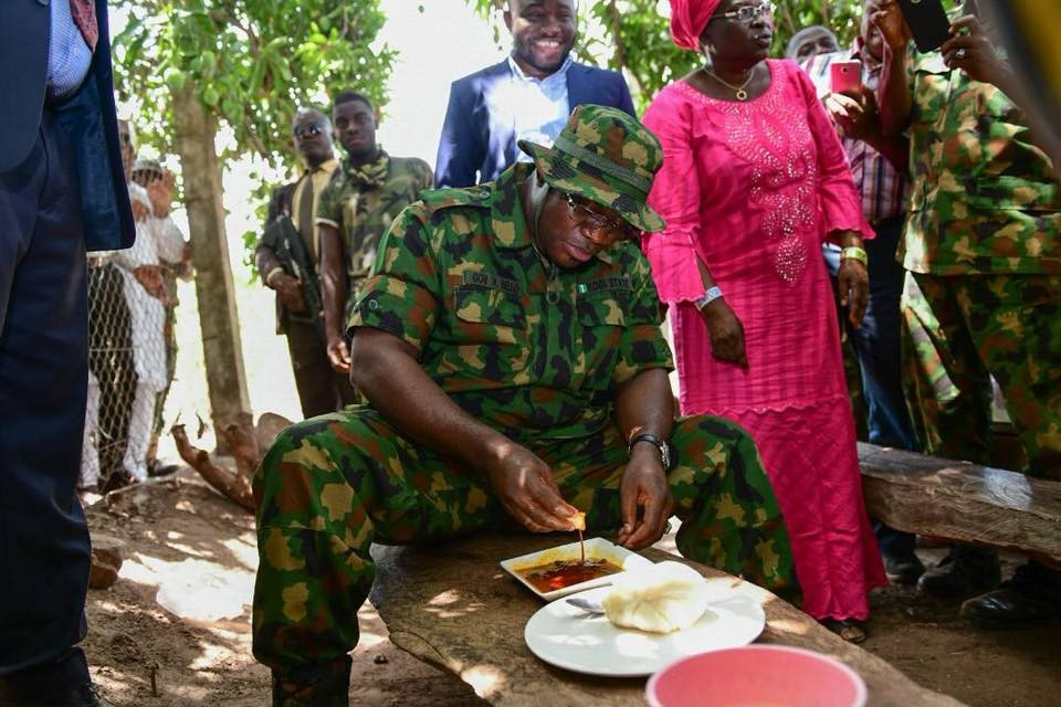Kogi governor, Yahaya Bello, rocks military attire during his visit to troops in the state(photos)