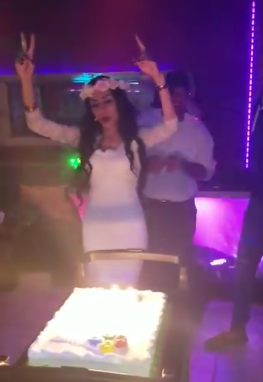 Arabian woman throws huge party to celebrate her divorce, reveals her ex husband was emotionally and physically abusive (video)