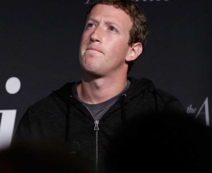 Mark Zuckerberg loses $5b as?Facebook shares fall