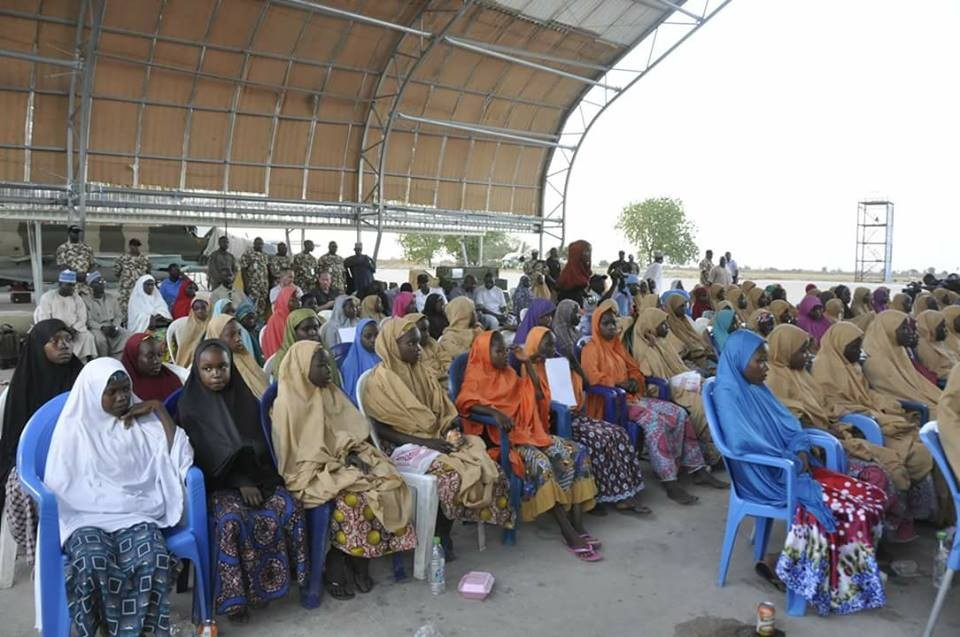 FG confirms release of 104 Dapchi school girls, shares photos of the freed girls
