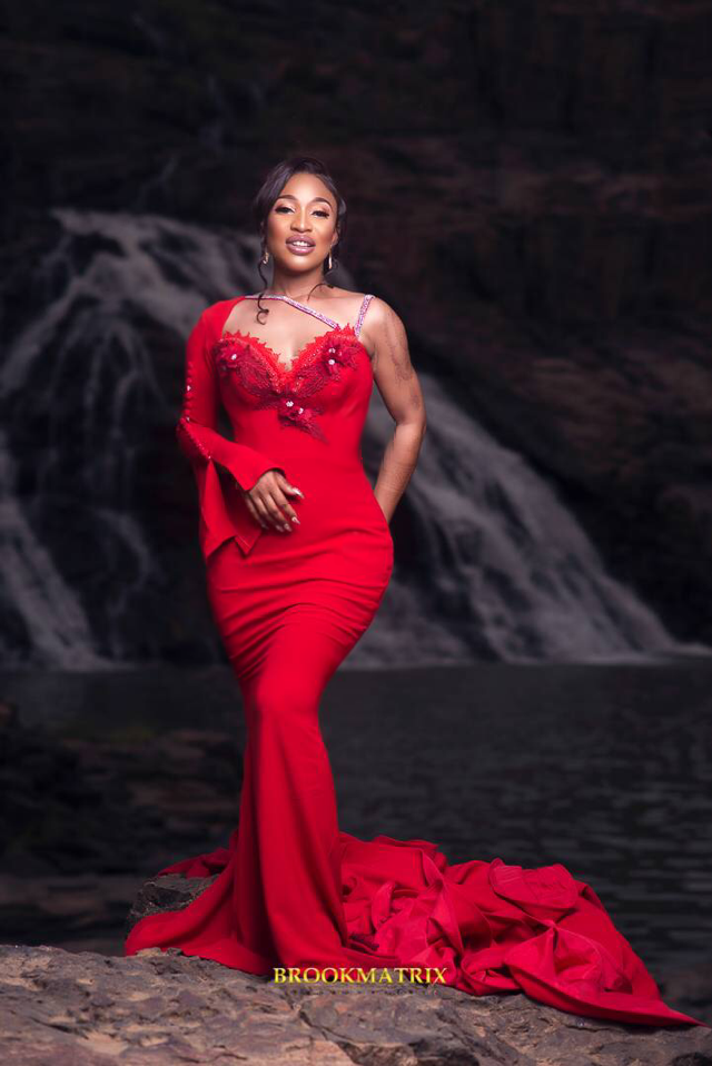 Tonto Dikeh shows off her stunning new figure following cosmetic surgery (photos)