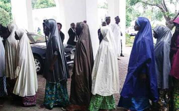 Breaking: Freed Dapchi school girls arrive presidential villa to see President Buhari(photos)