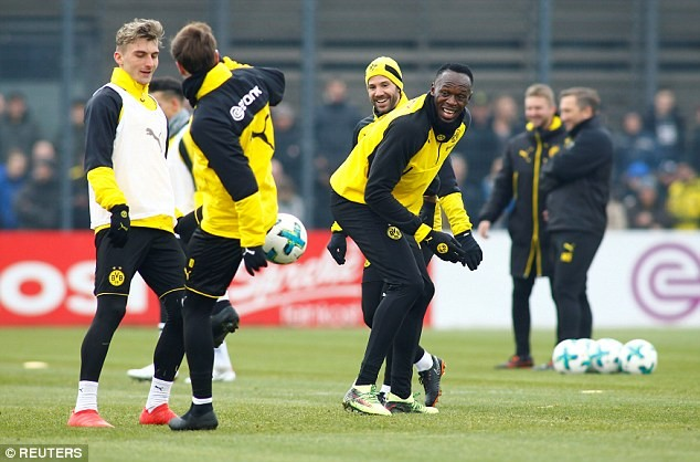 Usain Bolt begins trial with German club Borussia Dortmund, as he looks to start a career in football (Photos)