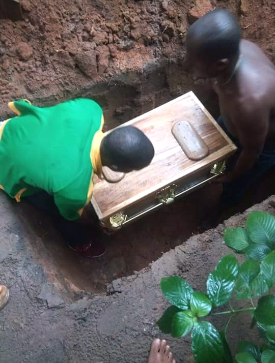 Photos: Father mourns daughter who died two days to her dedication (photos)