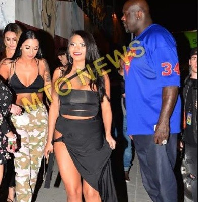 Nba Legend Shaquille Oneil Storms Club With Squad Of Big Booty White Girls Photos