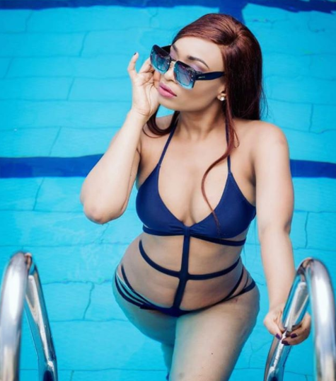 Ex-beauty queen, Marie Miller, shows off her banging body in sexy swimwear photo