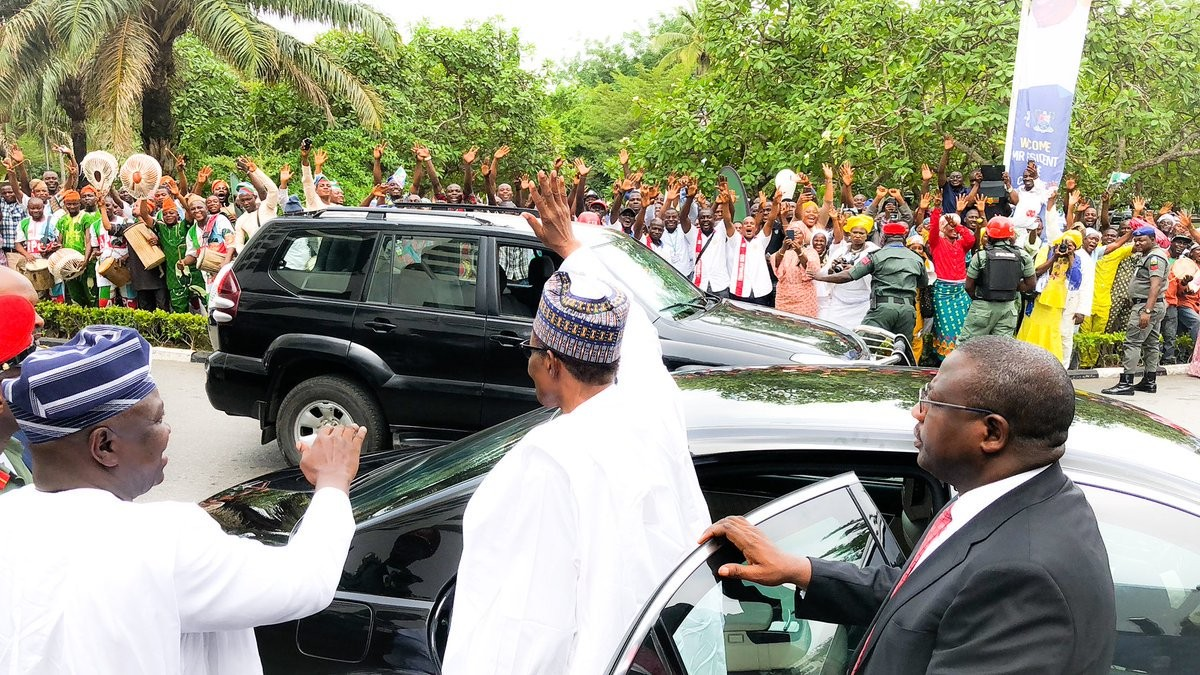 See photos of Lagosians that came out enmass to welcome President Buhari