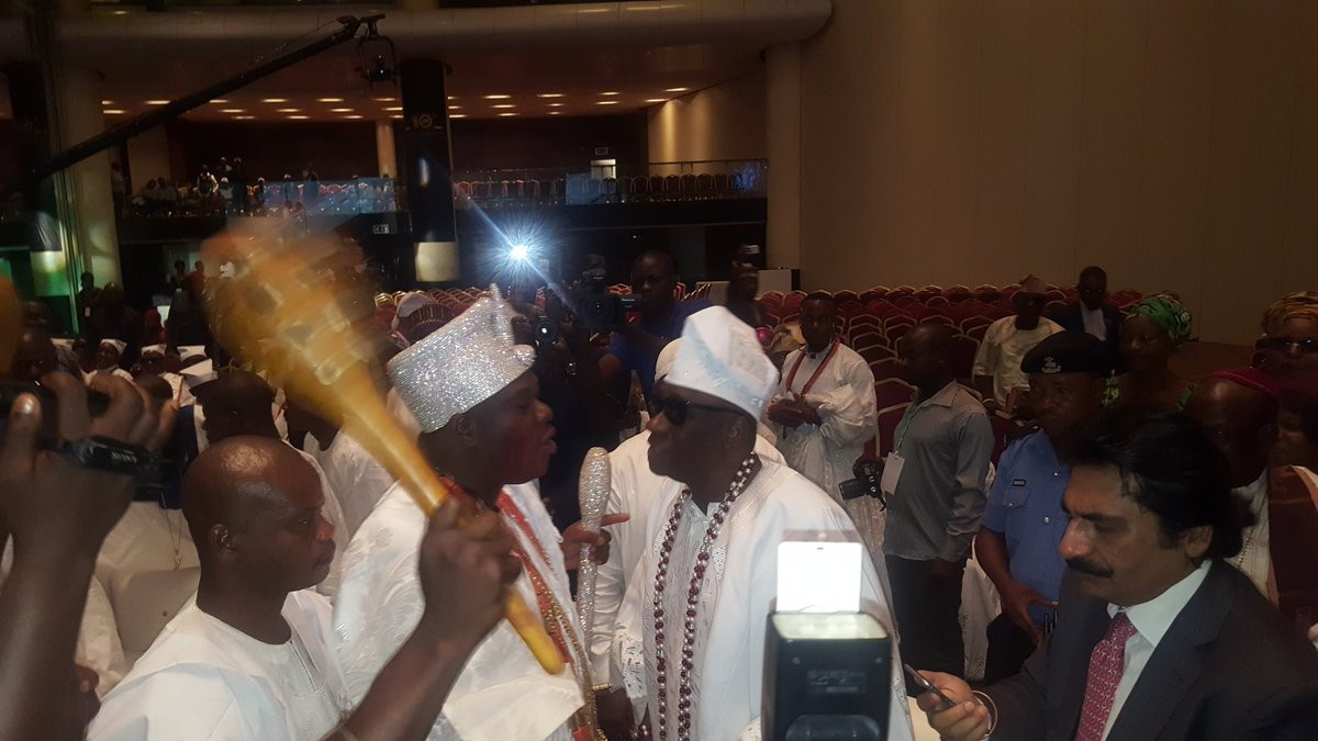 Check out Ooni of Ife and Oba of Lagos exchanging pleasantries at the Bola Tinubu colloquium (photos)