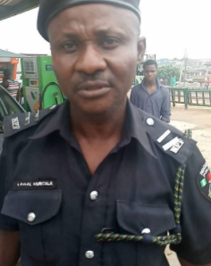 Lagos state Police orders the arrest of a police officer who assaulted a lady inside a bus