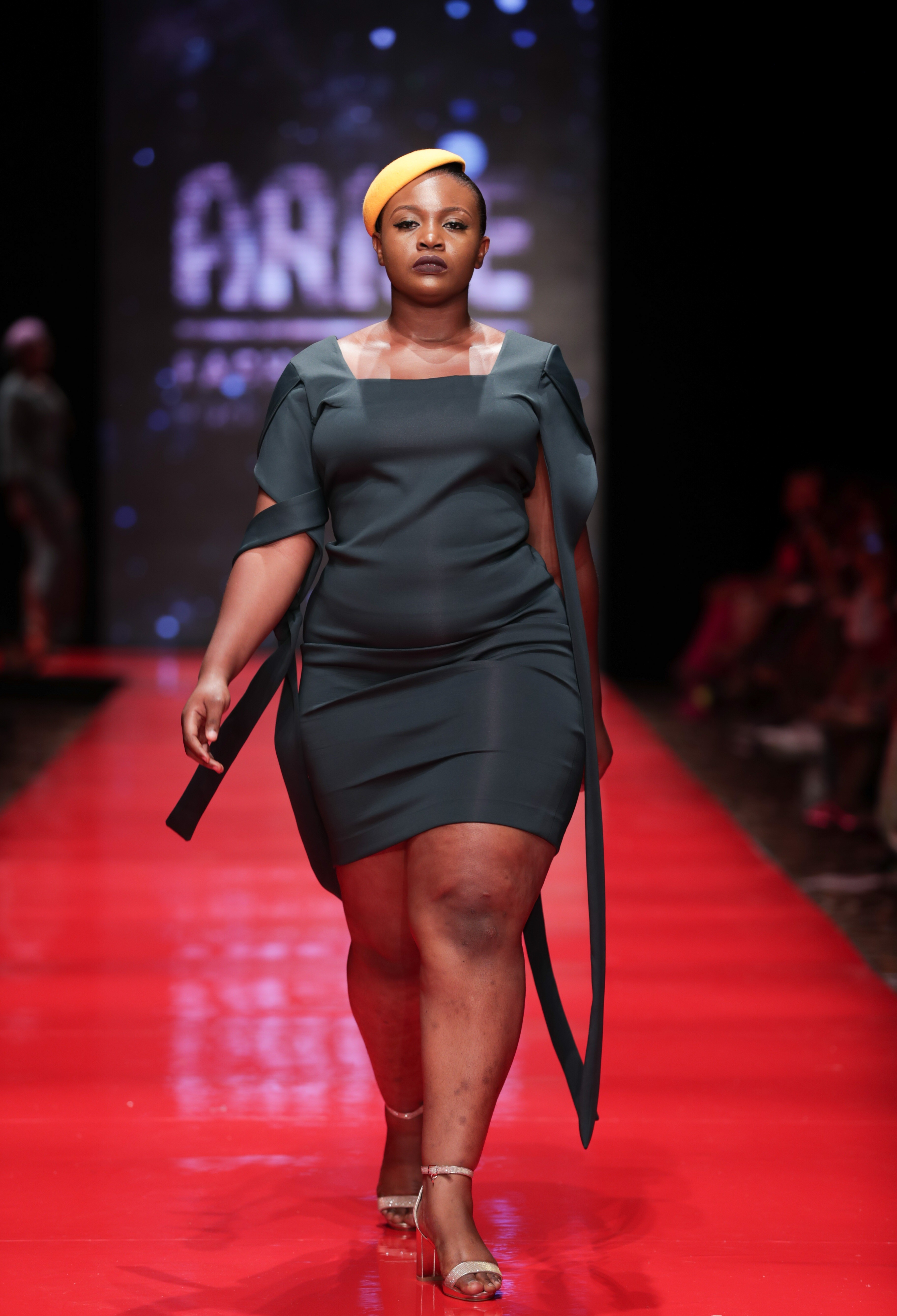 Curvy and?plus size models hit the runway at the?ARISE Fashion Week?2018 (Photos)
