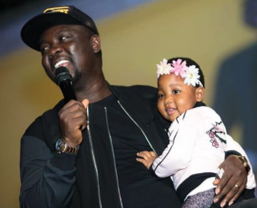 This video of comedian Seyilaw and his daughter performing on stage will make you smile for days!
