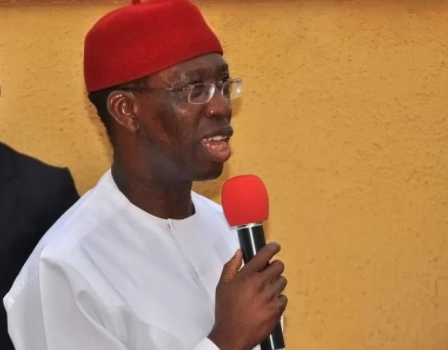 Delta State governor,?Ifeanyi Okowa wants FG to include names of present and previous political office-holders in the looters? list