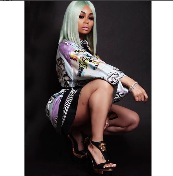Blac Chyna flashes her curves in Versace shirt dress (Photos)?