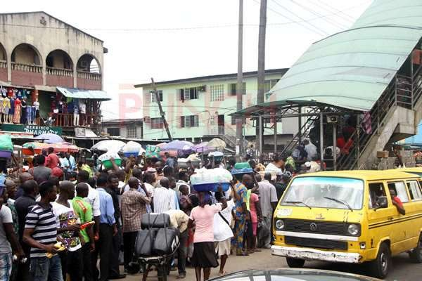 Man dies inside a commercial cab after he withdrew N100, 200 from an ATM in Lagos