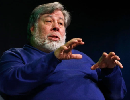 Cambridge Analytica Scandal: Apple co-founder, Steve Wozniak shuts down his Facebook account in protest