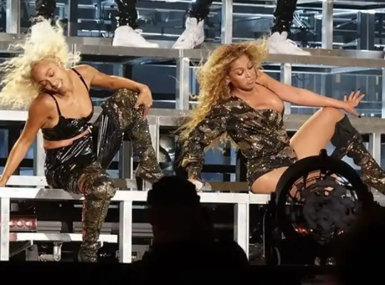 Watch Beyonce and Solange perform together at Coachella, plus their parents