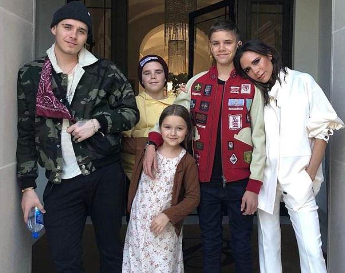 Victoria Beckham celebrates 44th birthday with her children in California (Photos)