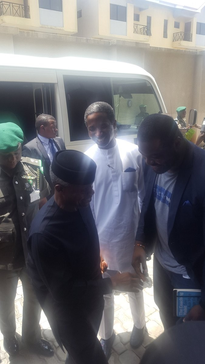Vice President Yemi Osinbajo arrives Lagos in small convoy, visits tech companies owned by young Nigerians(photos)