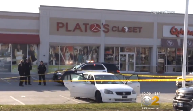 3-year-old girl accidentally shoots her pregnant mom while playing with father