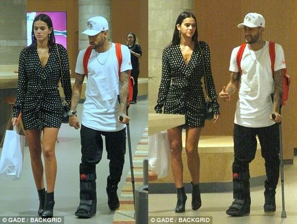 Neymar and his stunning girlfriend Bruna share a kiss during shopping trip in Rio de Janeiro (Photos)
