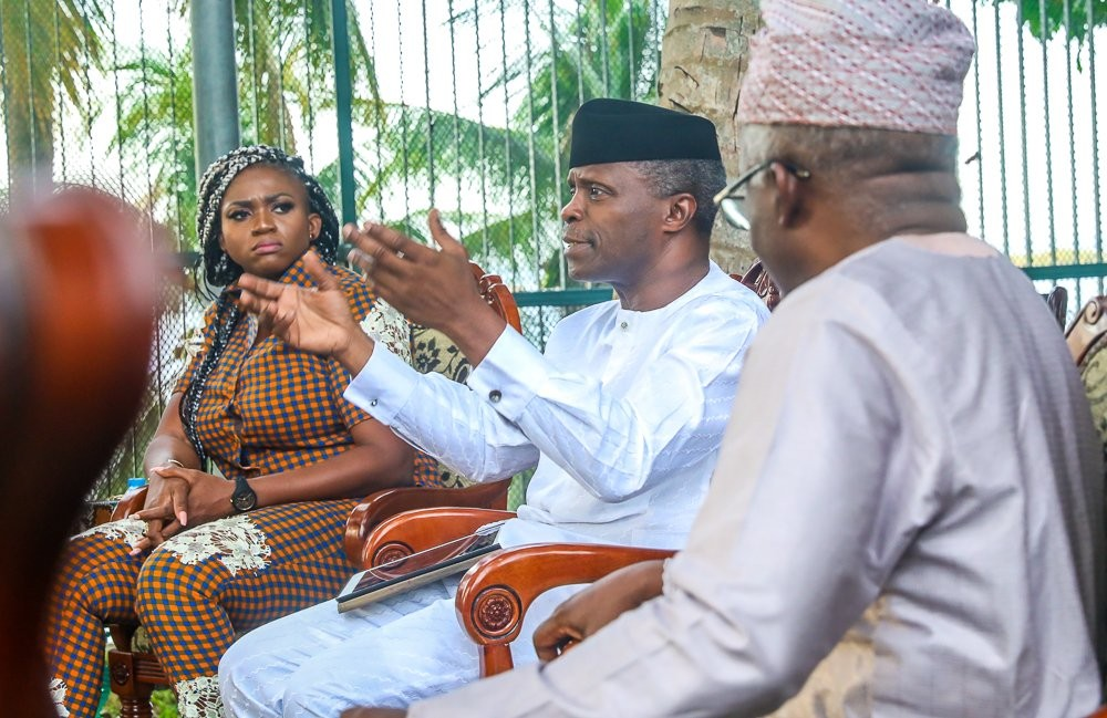 Vice President Yemi Osinbajo hosts Nigerian entertainers in Lagos (photos)