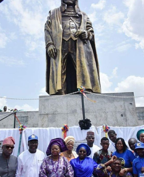 Photos: Lagos State?unveils?new statue of Chief Gani Fawehinmi in Ojota