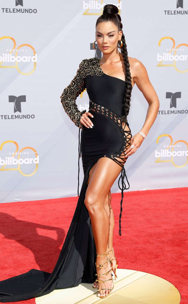 See stunning red carpet photos from 2018 Billboard Latin Award