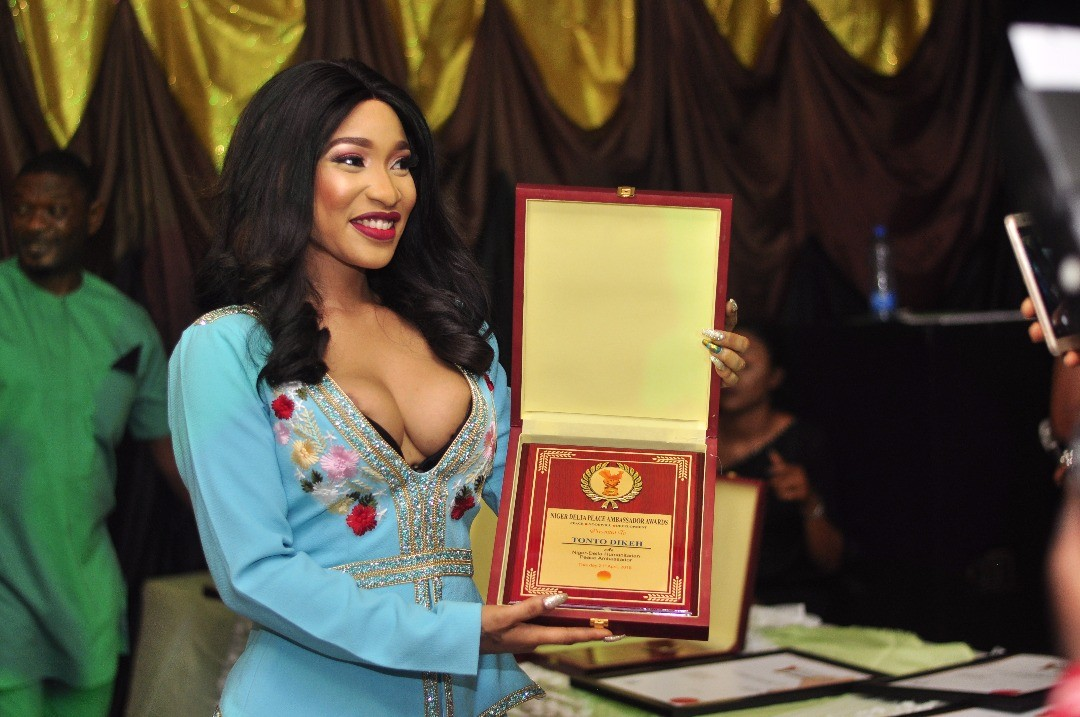 Tonto Dikeh flaunts boobs as she