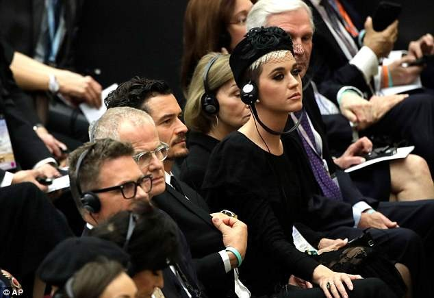 Katy Perry and boyfriend Orlando Bloom meet Pope Francis at Vatican City (Photos)