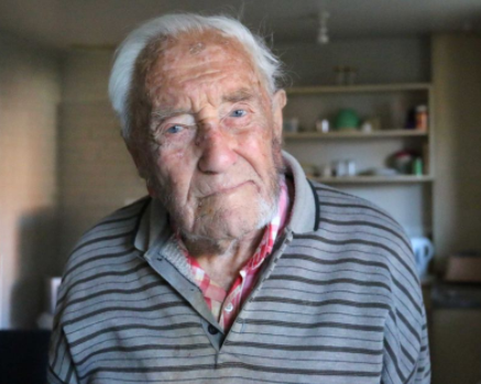 104 year-old Australian scientist,?David Goodall opts for