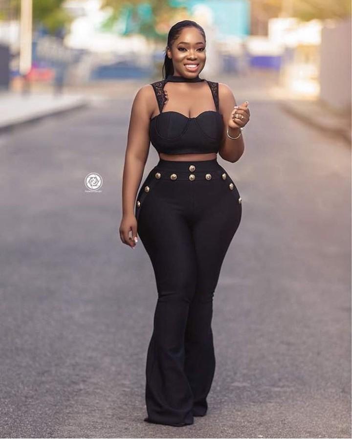 Curvy Ghanaian Actress, Moesha Boduong Shows Curves In