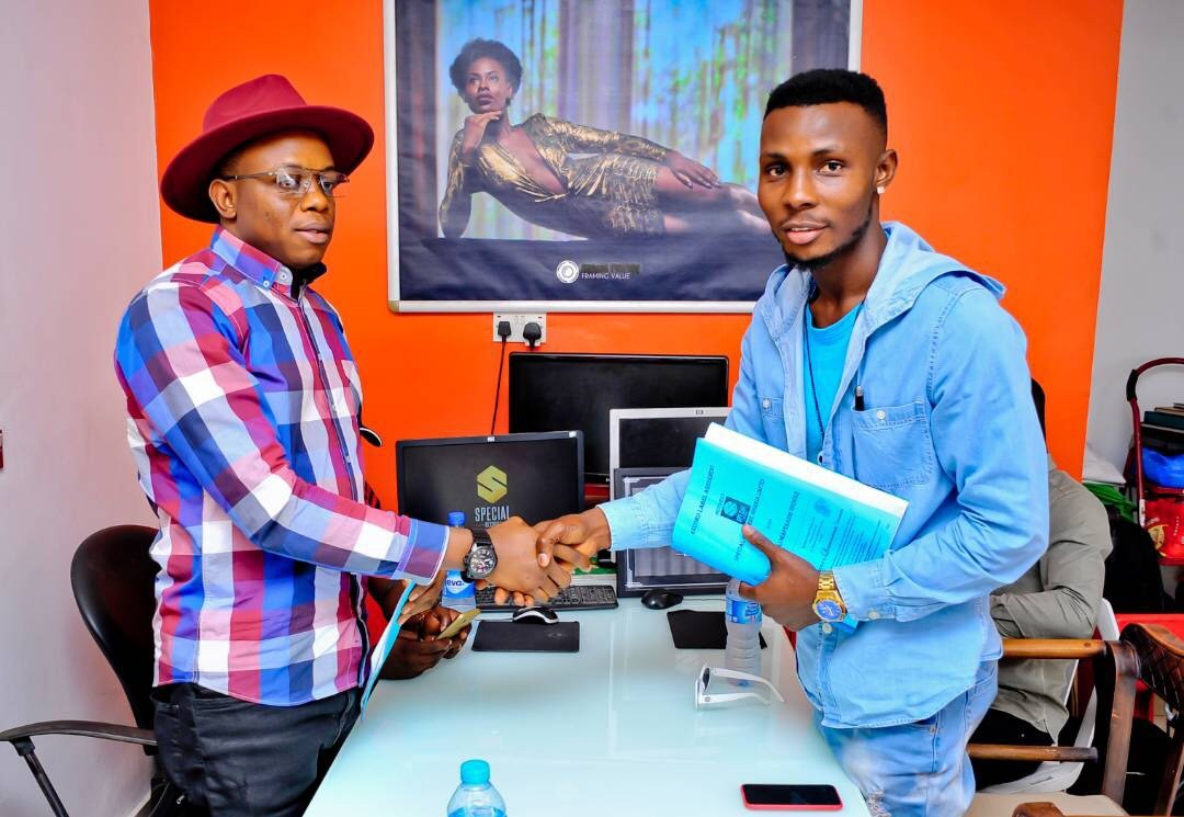 Singer Wole DSB signed a multi-million recording deal