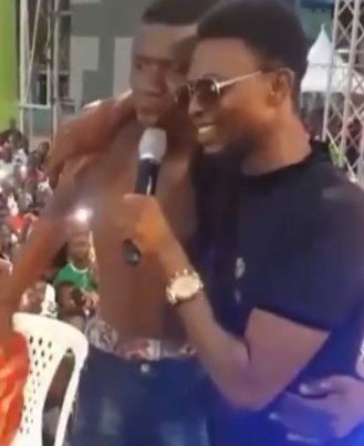 Comedian I Go Dye offers scholarship to youngman who forced his way on stage while he was performing and told him of his dream to go to school