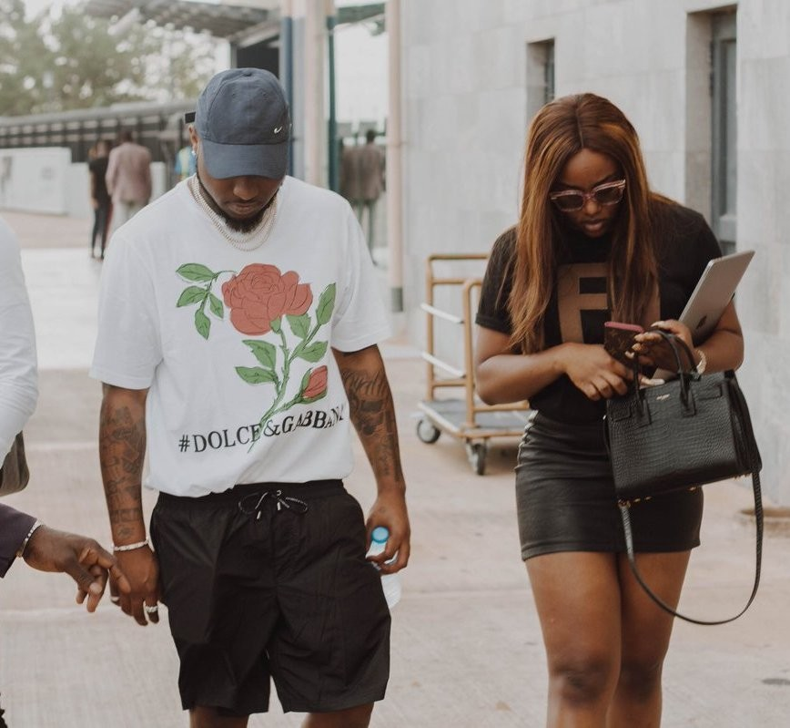 Davido and his woman, Chioma, spotted in Abuja (photo)