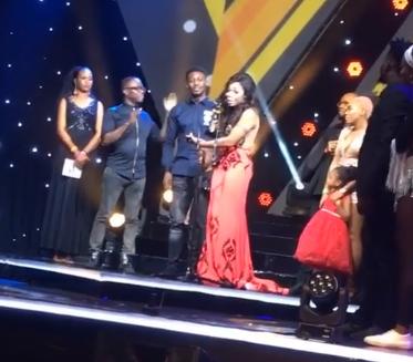 Nigerian lady applauds dancer, Kaffy