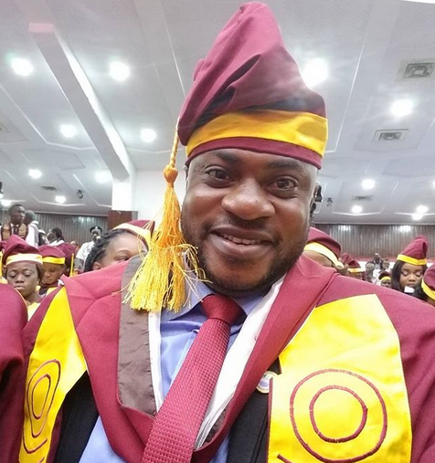 Nollywood actor, Odunalde Adekola shares photo from his convocation at UNILAG